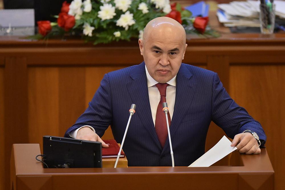 Сулайманов: Атамбаев экс-президент статусун көтөрө албай жатат