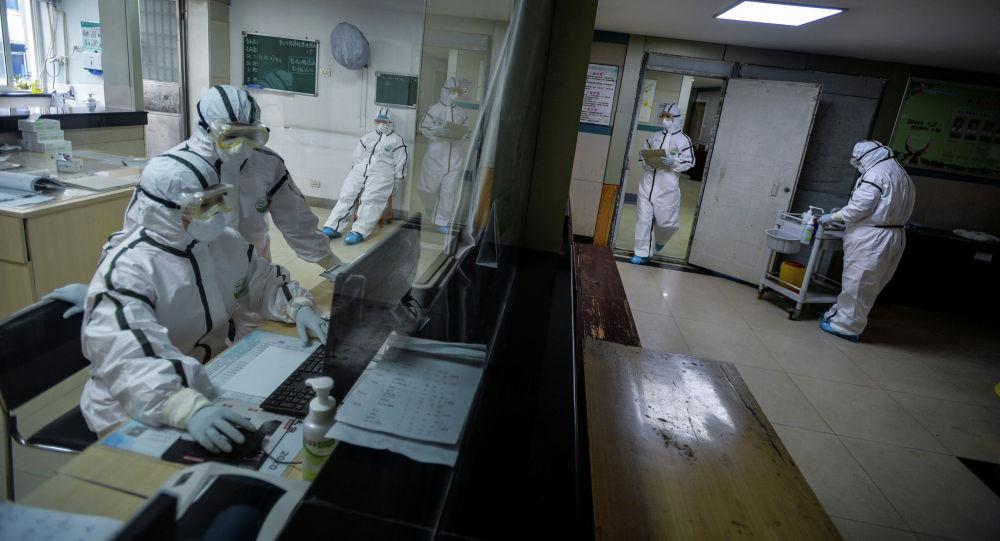 Кытайда бир түндө 14 миң кишиге коронавирус жукту. Бийлик себебин түшүндүрдү