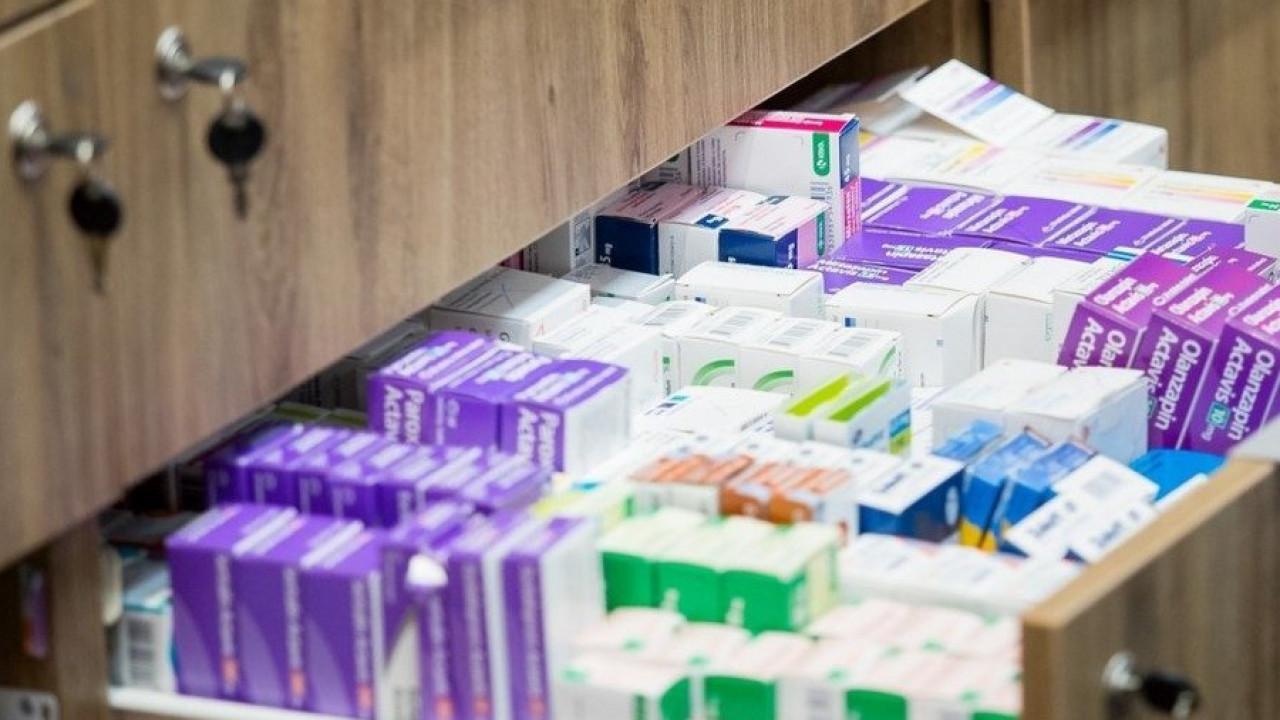 Борт с лекарствами для борьбы с COVID-19 ожидают в Казахстане
