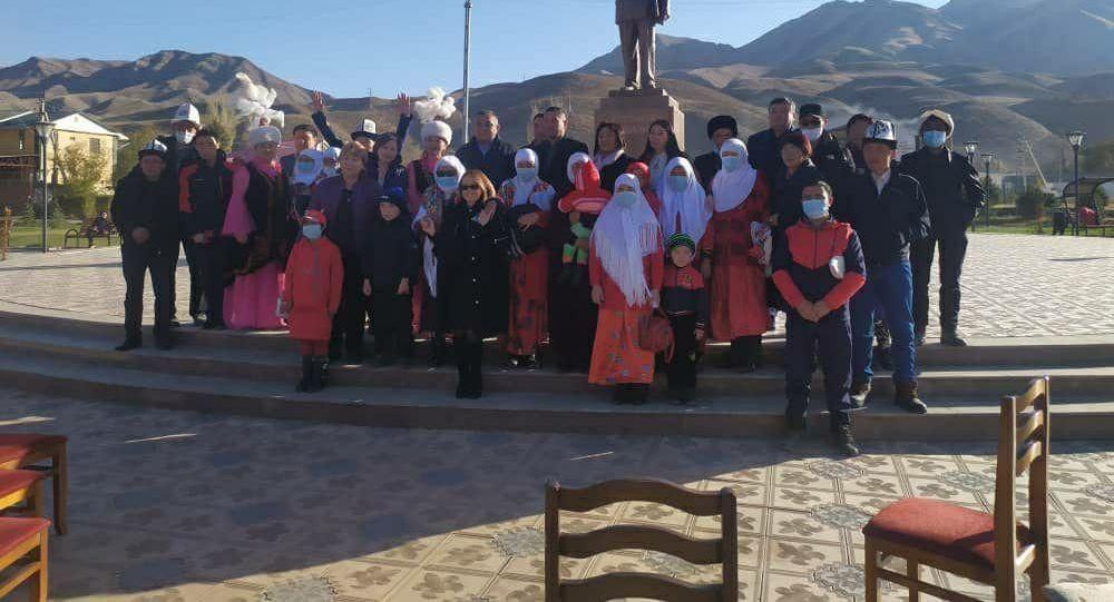 Нарынга жайгашкан памирлик кыргыздар Алайга көчүрүлдү