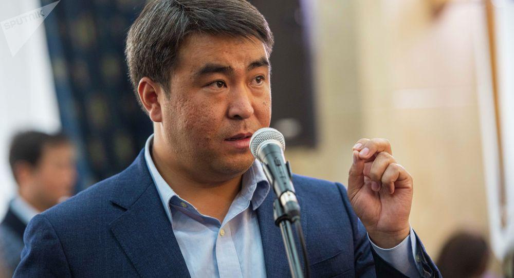 Жанар Акаев Бишкек мэри болот деген маалыматты өзү төгүндөдү
