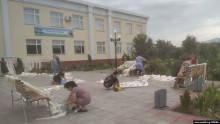Өзбекстандын Хорезм облусунда мугалимдер мектепке эмерек сатып берүүгө милдеттендирилди