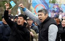 Батыш эмнеге Казакстандын оппозицияна акча төлөөдө?