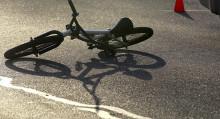 Бишкекте автоунаа коюп кеткен эки велосипедчендин бири мүрт кетти. Видео