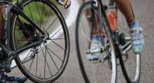"""""""Манаска"""" кеткен жолдо автокырсыктан көз жумган эки велосипедчинин аты аталды"""