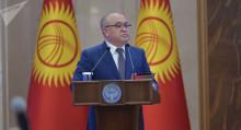 Текебаев президент менен депутаттарды бир күндө шайлоону сунуштады