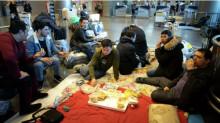 """""""Повысили зарплату, но россияне не идут"""". Страна осталась без мигрантов"""