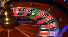 Депутаттар чет элдиктер үчүн Ысык-Көлдө казино ачууну сунуштап жатат