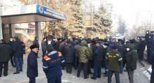 Айлыгын ала албай жүргөн жолчулар Бишкекке келип митингге чыгышты. Сүрөт