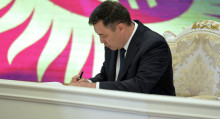 Кыргыз өкмөтү министрлер кабинети болуп өзгөрдү. Жапаров жарлыкка кол койду