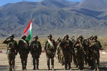 СМИ: Таджикистан готовится отражать атаки боевиков и принимать беженцев