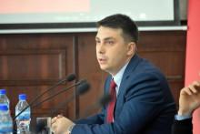 """""""Протащить олигарха невозможно"""". Денис Бердаков о том, как пройдут парламентские выборы"""