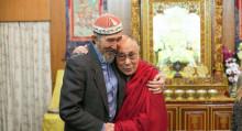 Далай-ламага жолуккан кыргыз. Жазуучу Кубатбек Жусубалиев жөнүндө 16 факт