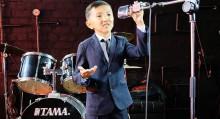 """Кыргызстандык стендап-куудул ТНТ каналынын """"Ачык микрофон"""" шоусуна кабыл алынды"""
